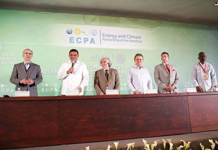El gobernador Rolando Zapata Bello dijo que hay buena perspectiva para nuevas energías en Yucatán. (Milenio Novedades)