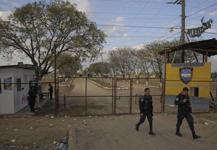 Entrada de la Granja Penal de Comayagua, a 80 kilómetros al norte de Tegucigalpa, Honduras. (Archivo/EFE)