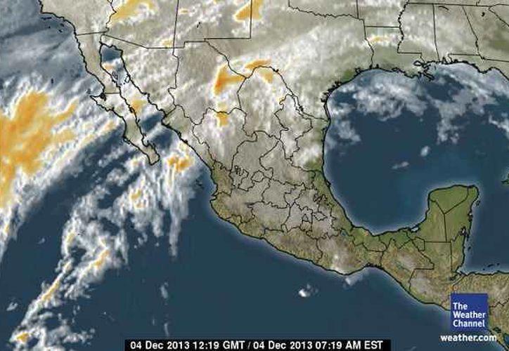 Se registra entrada de aire marítimo tropical con poco contenido de humedad procedente del Golfo de México y mar Caribe hacia la Península de Yucatán. (espanol.weather.com)