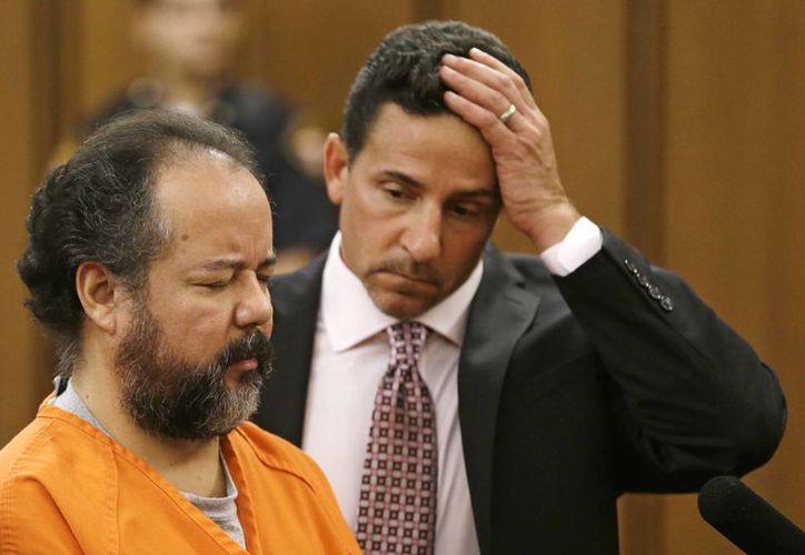 Durante su presentación en la Corte, Castro permaneció con los ojos cerrados. (Agencias)