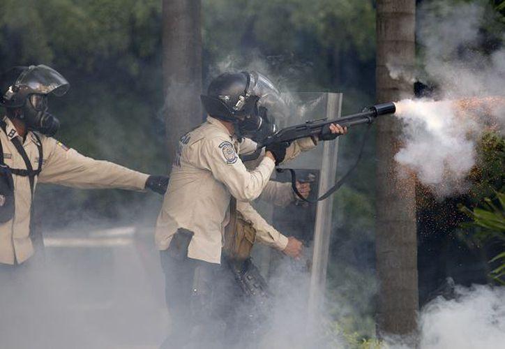 Un joven perdió la vida este fin de semana durante las protestas en Venezuela. (Noticieros Televisa)