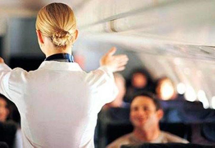 Azafatas revelan los secretos jamás contados sobre situaciones que solo ocurren durante un vuelo. (larepublica.pe)