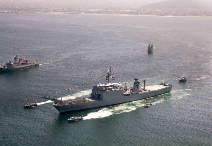 La base naval en Coahuila servirá para apoyar el combate al narcotráfico. En la imagen, buques de la Armada navegan en Ensenada, BC, el pasado 1 de junio. (Archivo/Notimex)