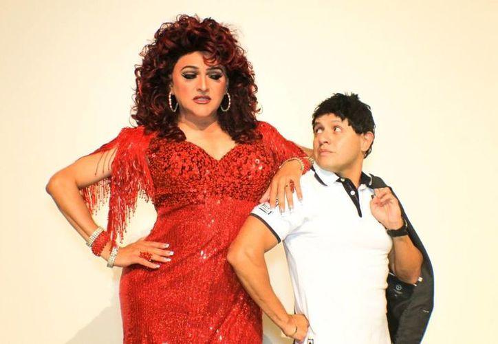 """La puesta en escena está adaptada al humor yucateco y uno de los actores participantes, Ismael Salazar alias """"mactá"""", fue quien se encargó de escribir el guión. (Redacción/SIPSE)"""