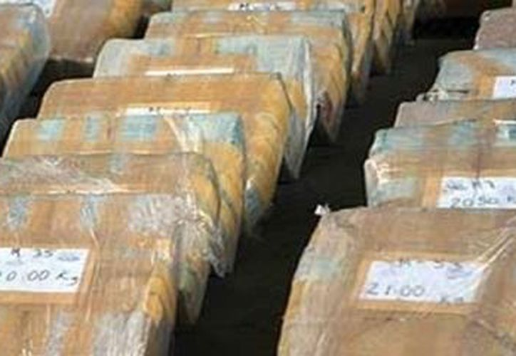 Durante el operativo tres vehículos fueron confiscados, entre ellos una avioneta. (www.globedia.com)