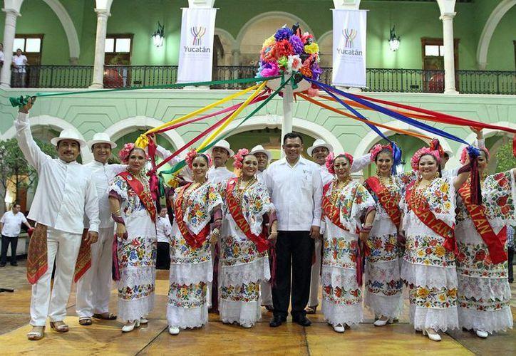 Los colores del baile de las cintas inspiraron el nuevo logotipo del gobierno que encabeza Rolando Zapata Bello. (Cortesía)