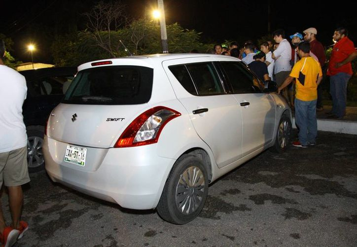 Una agresión a un operador de Uber ocurrió este sábado en la Avenida Quetzalcoatl, al oriente de Mérida. (Captura de pantalla/ video de Facebook/ Roberto Basulto)