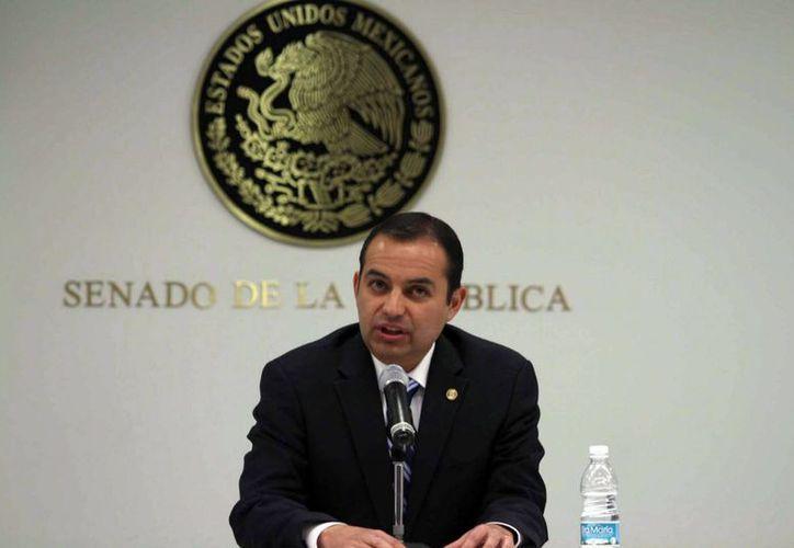 El presidente del Senado de la República le manda de mensaje al presidente Peña Nieto, que no se desanime. (Notimex)