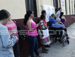 Con largas filas inicia la apertura de casillas en Yucatán