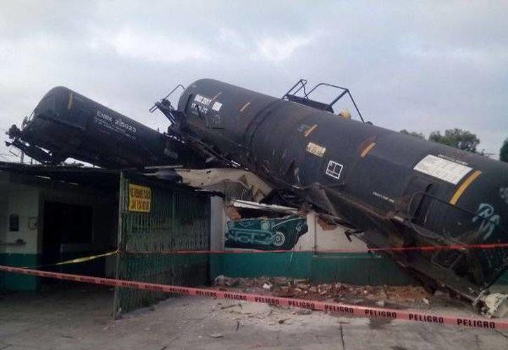 Protección Civil de Tlaxcala confirmó el descarrilamiento de un tren de la empresa Ferrosur. (twitter.com/GaboOrtega73)