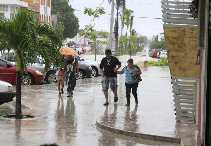 Las lluvias se seguirán sintiendo en la capital del Estado, pero serán de menor intensidad. (Ángel Castilla/SIPSE)