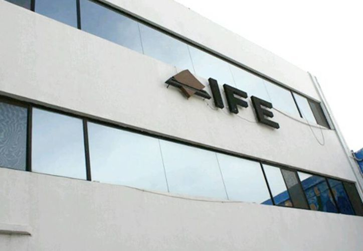 El IFE no quedará imposibilitada de cumplir sus funciones a partir del 1 de noviembre, aun cuando en su Consejo General haya solo 4 de 9 integrantes. (Milenio)