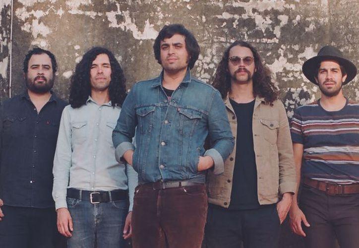 La banda mexicana de rock Enjambre se presentará en el Tecate Location en Cancún. (Foto: Red Capital)