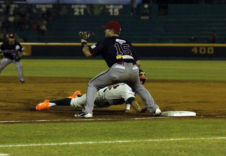 El triunfo fue para el relevista  Jorge Flores con salvamento de Luis Vizcaino. (Milenio Novedades/Juan Albornoz)
