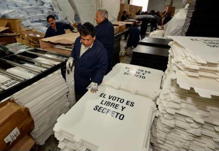 Dos de los paquetes contenían material de la elección a nivel federal. (foto: Cuartoscuro)