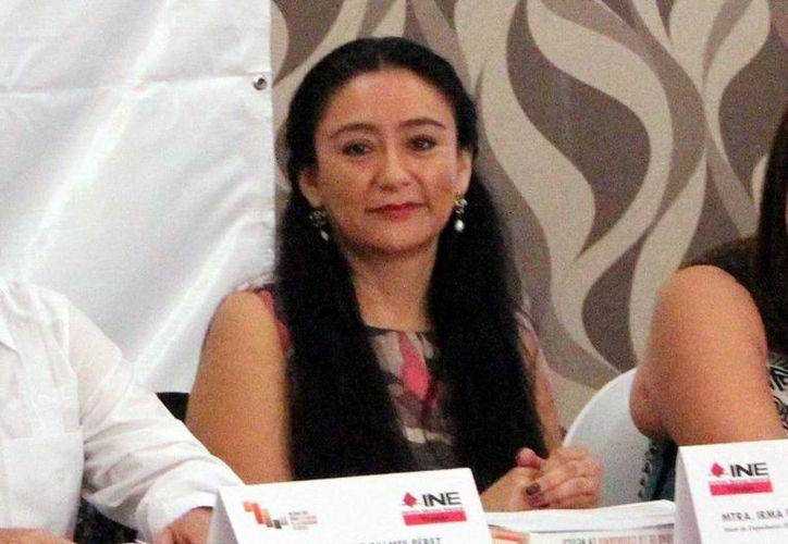 La vocal de capacitación electoral y educación cívica de la Junta Local del INE, Irma Moreno Valle Bautista, reconoció la respuesta ciudadana. (Milenio Novedades)