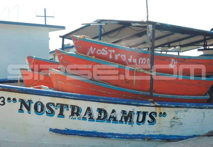 La embarcación se la que se lanzó el pescador. (Gerardo Keb/Milenio Novedades)