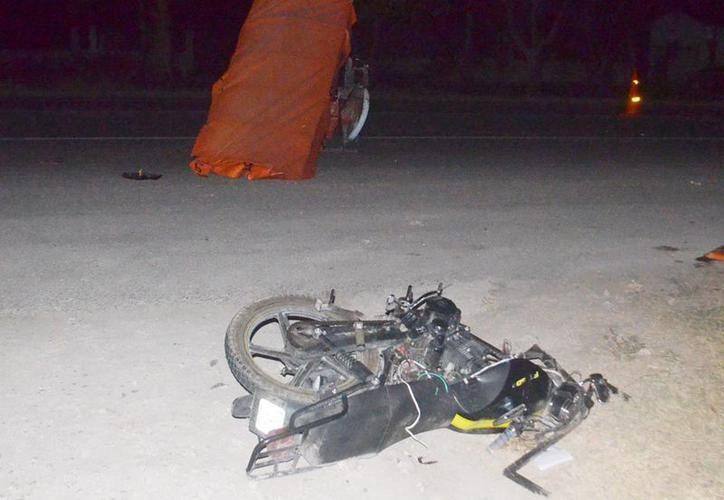 """El vehículo de la acusada colisionó con un """"mototaxi"""" manejado por el ahora denunciante, a quien se negó a pagarle dos mil pesos por daños. (SIPSE)"""