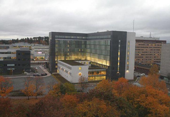 En la prisión Sollentuna, que se encuentra en Estocolmo, los reos tienen acceso a sala de pesas, cocina integral y áreas comunes con sofás y televisiones. (Internet)