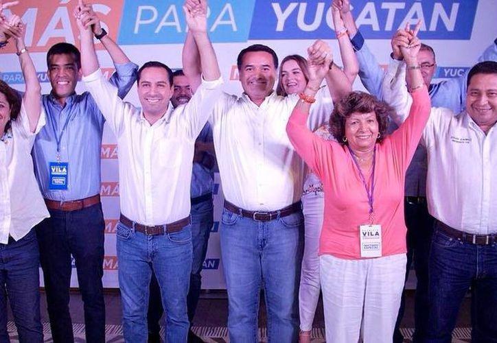 """""""Estamos muy contentos con los resultados de las encuestas de salida"""", externó  Mauricio Vila. (Milenio Novedades)"""