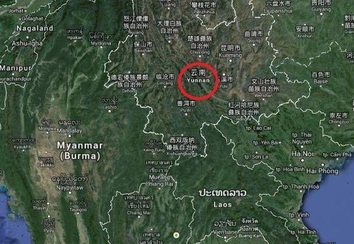 El sismo que removió Yunnan (enmarcado en rojo) se produjo a las 6:07 horas de este domingo. (Google Maps)