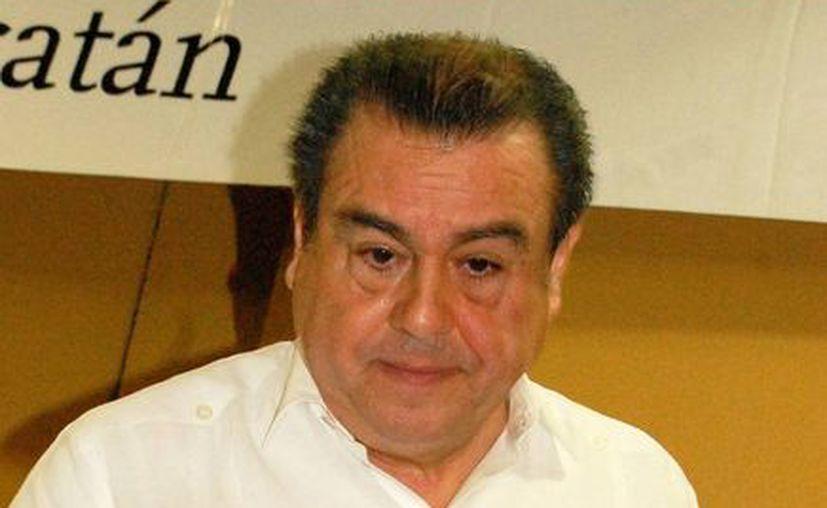 """""""El IETU ha complicado mucho la vida de los contribuyentes"""", dice Carlos Cárdenas Guzmán. (SIPSE)"""
