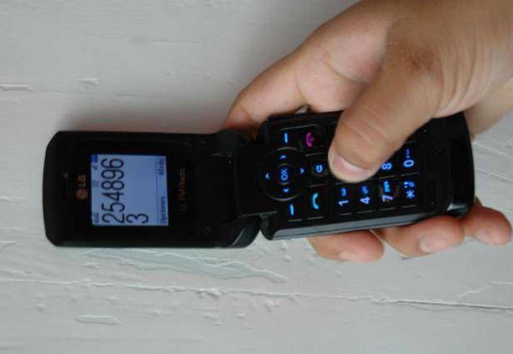 El IFAI alega que el rastreo de celulares vulnera la protección de datos personales. (Archivo/SIPSE)