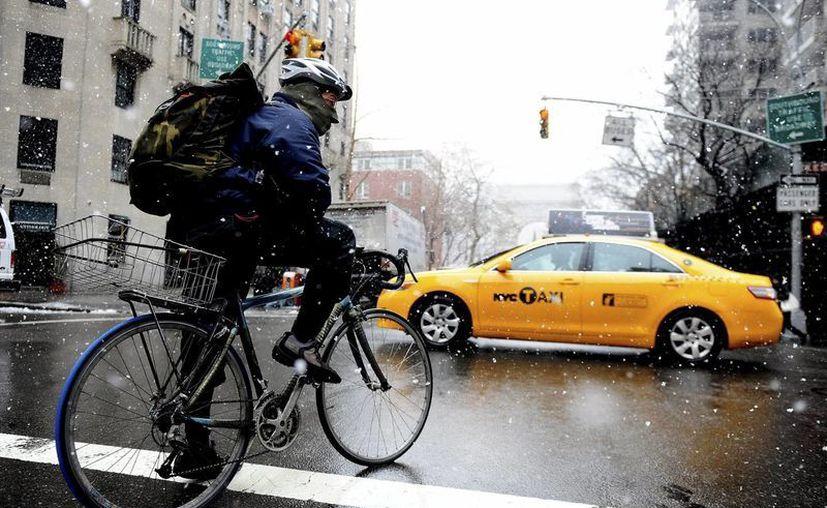 Cada vez son más los neoyorquinos que se montan sobre dos ruedas para disfrutar de la ciudad. (Archivo/Notimex)