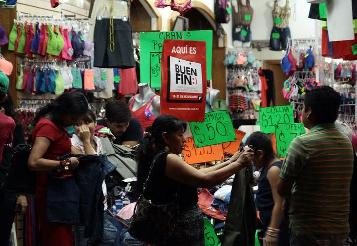 Los comercios del centro de Mérida se vieron muy concurridos. (Jorge Acosta/Milenio Novedades)