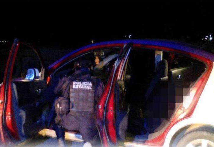 Enfrentamiento entre dos grupos delictivos dejó un saldo mortal de 3 delincuentes fallecidos. Ejército y Policía Estatal en Xochipala detuvieron a un supuesto delincuente. (@SSPGro)