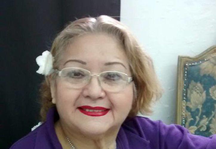 La actriz yucateca Madeleine Lizama 'Candita' presentará obra en el teatro Daniel Ayala como parte de los festejos de sus 64 años. La obra fue escrita por su hija Andrea Lizama. (Milenio Novedades)