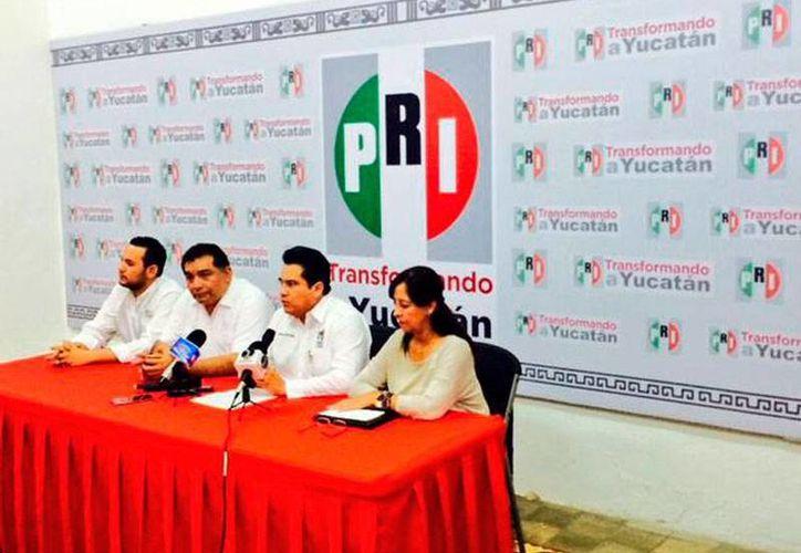 Imagen de la rueda de prensa en la que el PRI anunció que impugnará en tribunales la elección en Mérida, donde el PREP da la ventaja al PAN. (Twitter:@PRI_Yucatan)