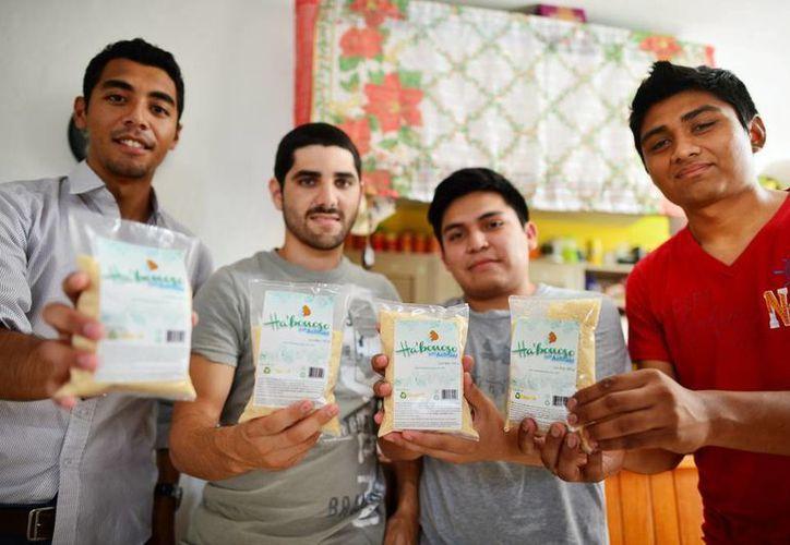 El producto es llamado Ha' bonoso por los jóvenes alumnos de la carrera de Administración. (Milenio Novedades)