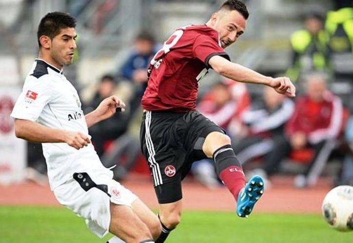 Los goles del Eintracht fueron de Tranquillo Barnetta, Joselu (2), Alexander Madlung y Stefan Aigner; por el Nuremberg Josip Drmic y José Campaña. (EFE)