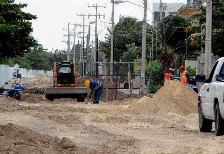 Paralelamente a la obra de drenaje se modernizará la red de agua potable con la renovación de 870 metros de tubería PVC hidráulica. (Redacción/SIPSE)