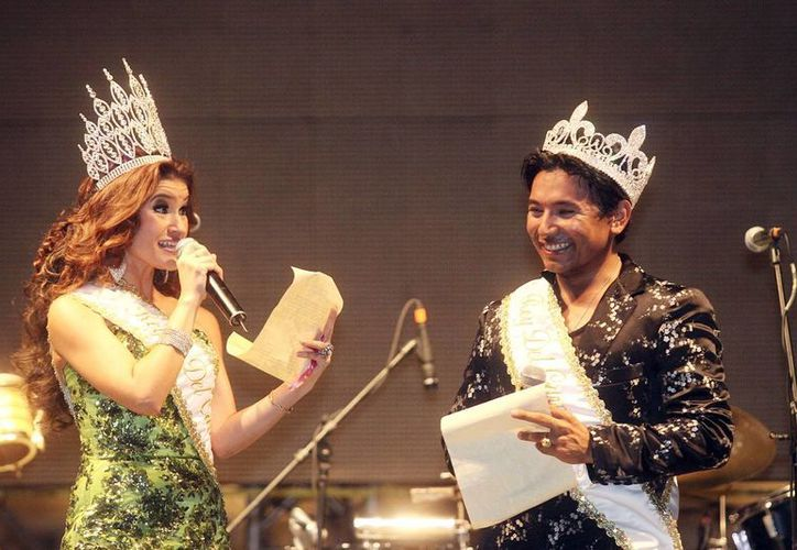 'Malena I' y 'Pierre David I' en el inicio de su reinado esta noche. (SIPSE)