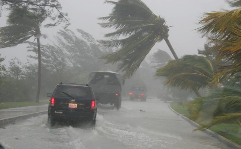 Aerolíneas en Ecuador cancelan vuelos por huracán Irma