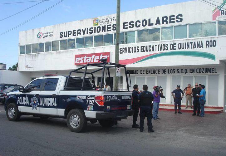 Refuerzan la seguridad en las instalaciones de la SEyC en la isla. (Redacción/SIPSE)
