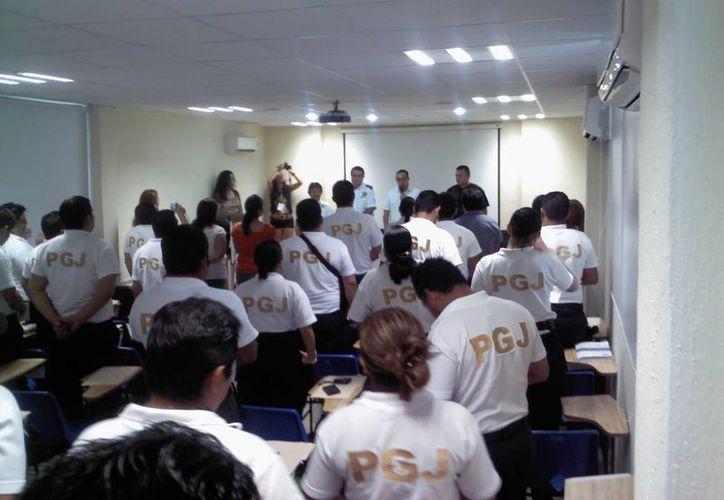 El día del burócrata la asistencia al curso fue de ocho empleados. (Redacción/SIPSE)