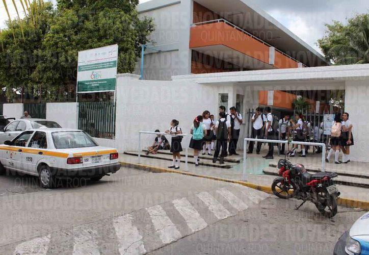 Urge transparentar los recursos de inscripción en el Colegio de Bachilleres. (Joel Zamora/SIPSE)