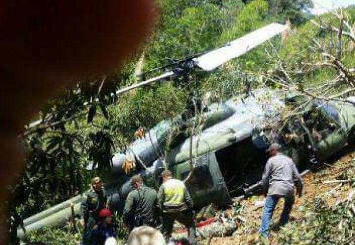 Un helicóptero de las fuerzas armadas colombianas se accidentó en Colombia. (El Tiempo).