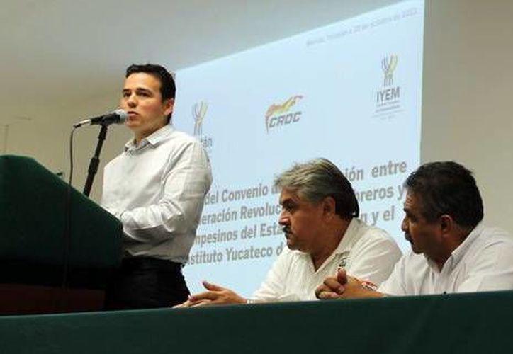 Miguel Enriquez, director del IYEM, informó acerca del Premio Yucatán al Emprendedor. (Milenio Novedades)