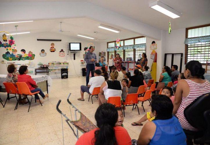 En febrero se capacitó a 99 padres de familia de la primaria Francisco J. Mujica. (Redacción/SIPSE)