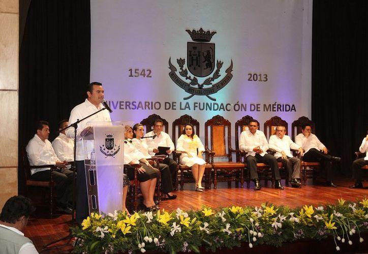 Barrera Concha instó a la unidad entre  órdenes de gobierno, instituciones educativas e iniciativa privada y organizaciones civiles y sociales. (SIPSE)