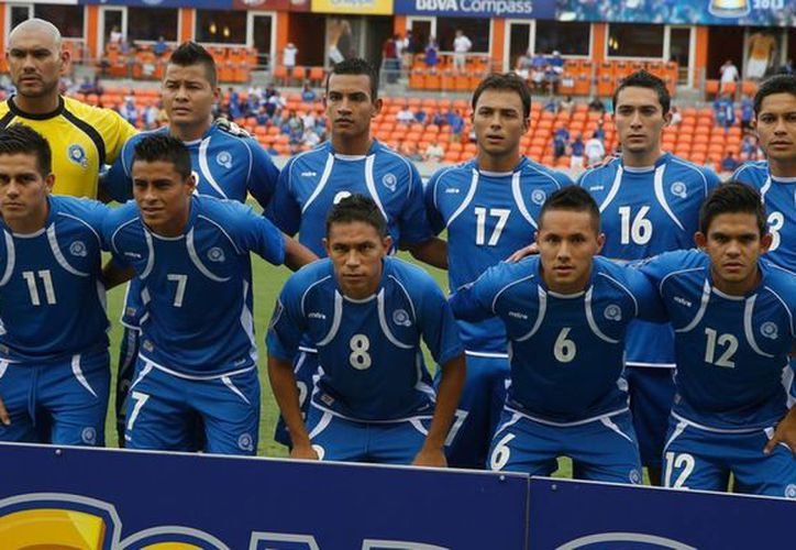 El futbol salvadoreño sigue enlodado debido a un escándalo por arreglo de partidos. Los presuntos responsables aún están libres. (huffingtonpost.com/Foto de contexto)