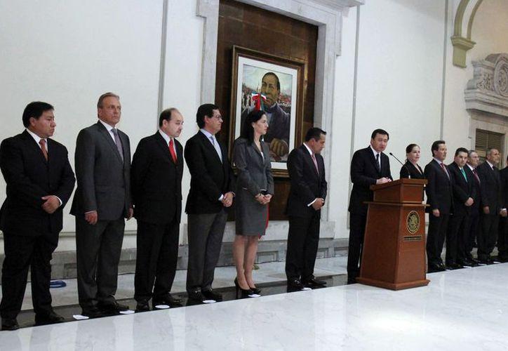 Osorio Chong durante la presentación de sus colaboradores. (Notimex)