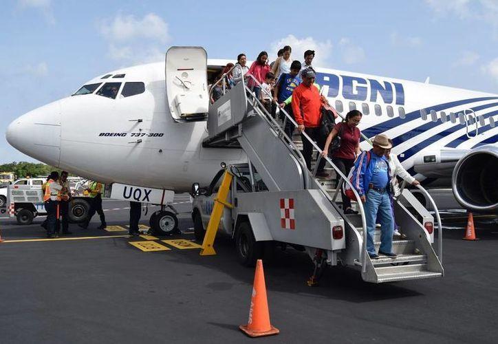 Para los días martes y miércoles la actividad registrará la llegada de cinco vuelos cada día. (Irving Canul/SIPSE)
