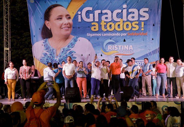 Durante el evento, la candidata hizo un recuento de sus propuestas de campaña. (Redacción)