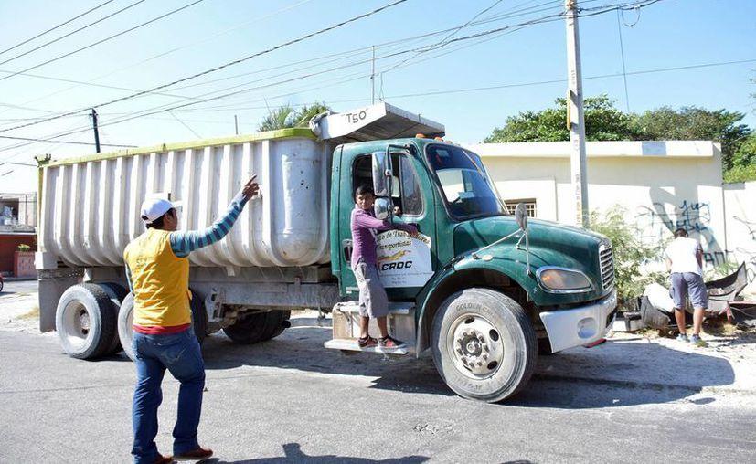 Durante la primera descacharrización masiva en Mérida, el pasado fin de semana, se logró con un total de 421.97 toneladas de cacharros recolectados. (Milenio Novedades)