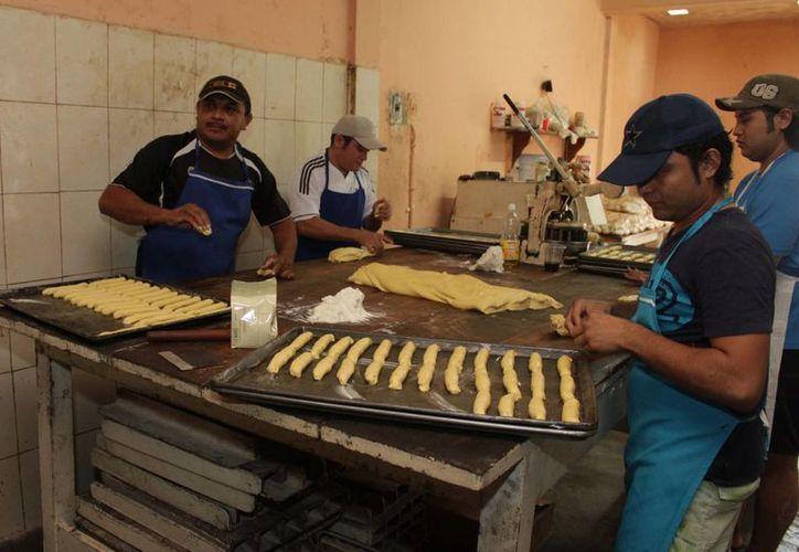 Durante la supervisión dos tiendas de autoservicio fueron multadas con hasta 40 mil pesos. (Harold Alcocer/SIPSE)
